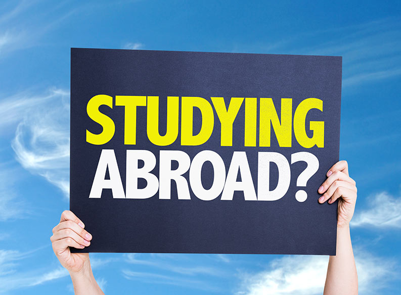 reasons for studying abroad essay